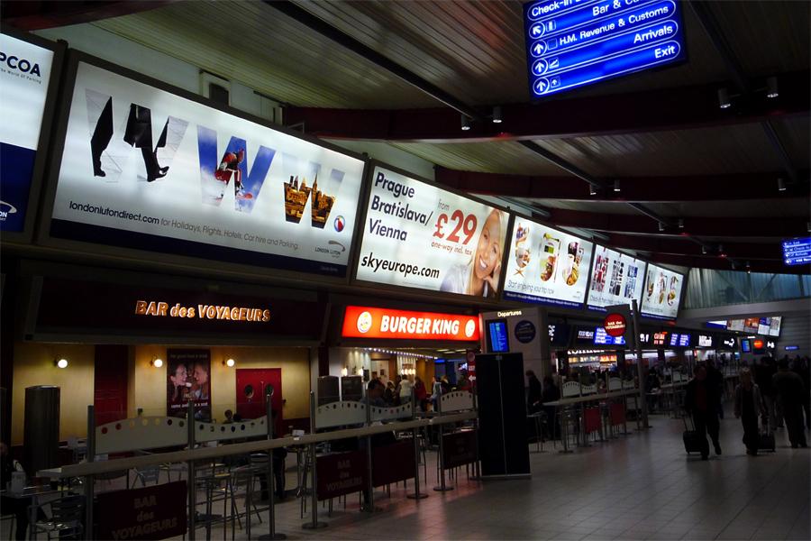 Aeropuerto luton ltn servicios y ubicaci n en londres for Oficina objetos perdidos barcelona